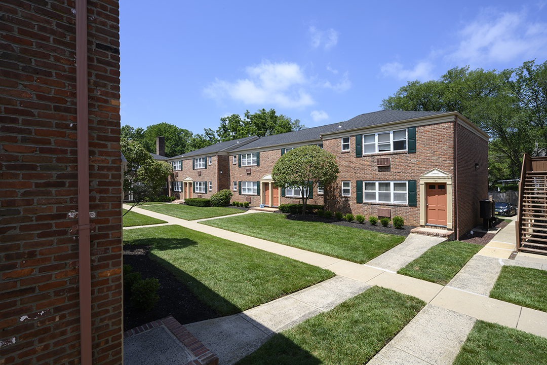 Exterior community at Sutton Commons