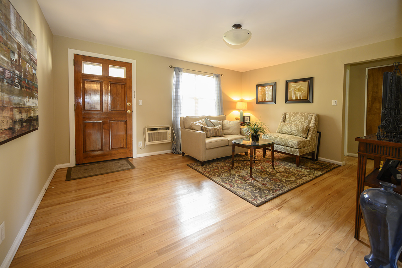 Living space and entry at New Milford Estates apartment