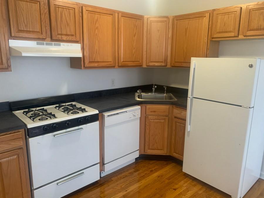 171 Manor kitchen