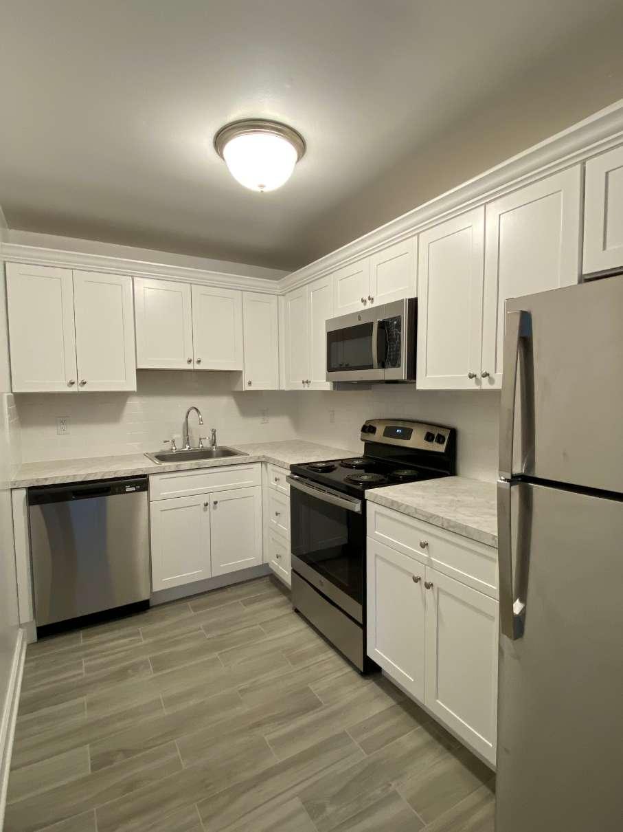 Millburn on Main kitchen